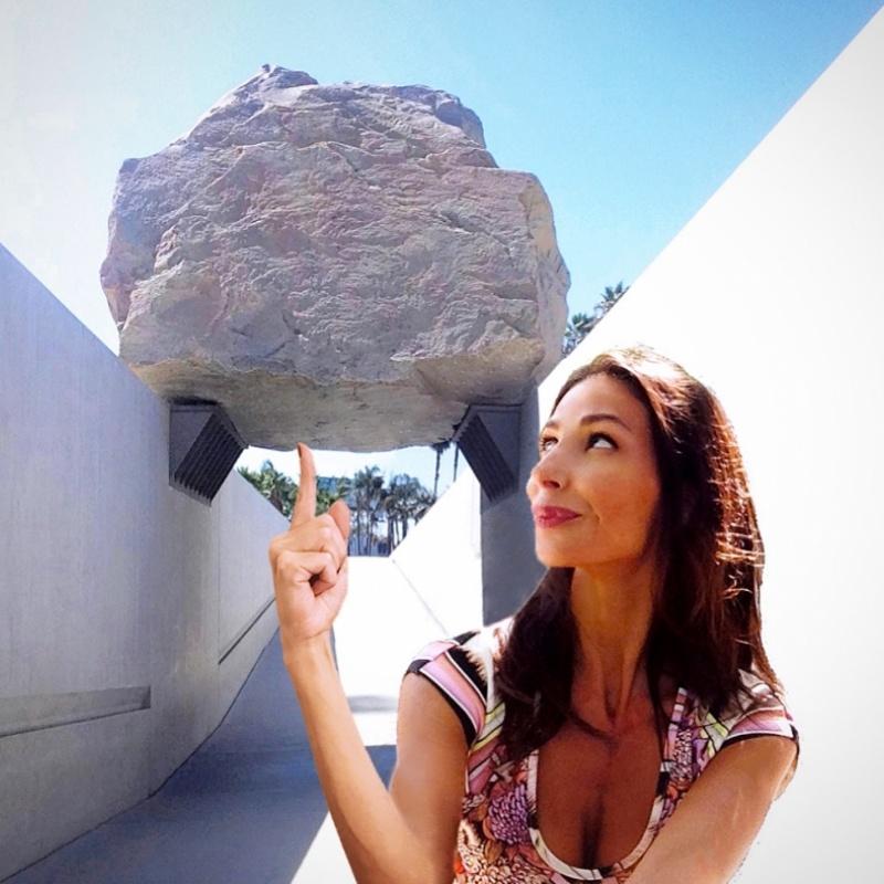 Lite Rock (Michael Heizer - Levitated mass, 2012)
