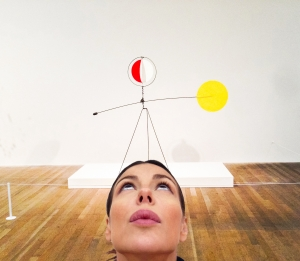 Uhm (Alexander Calder, Red and Yellow Vane)